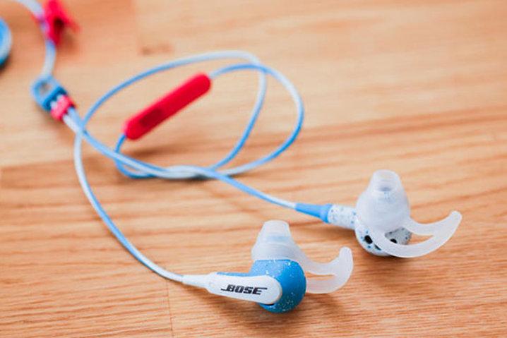 tus-auriculares-tambien-pueden-ser-usados-para-espiar