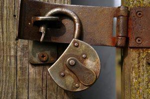Cuando el ransomware ataca puedes perder datos. Cuidado con el correo electrónico y perder datos.