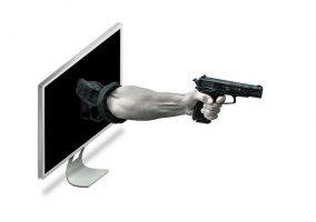 Ataques de phishing para robar datos.