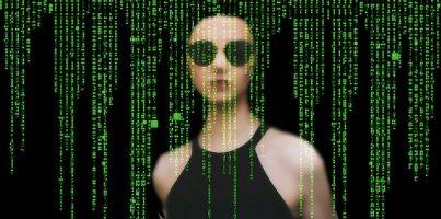 El ransomware no solo puede robar datos también vidas. matrix-2953883_640 Imagen de Gerd Altmann en Pixabay.